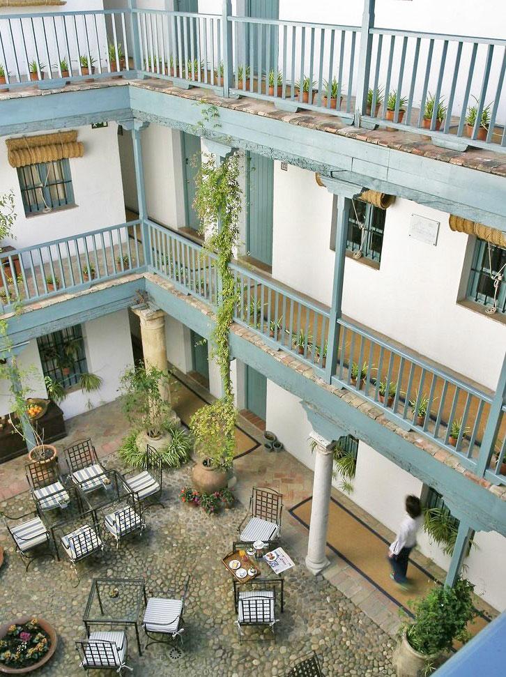 Hospes las casas del rey de baeza from the poolside - Las casa del rey de baeza ...