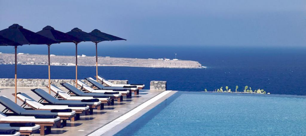 Santo Maris Oia, a design and luxury hotel in Santorini. Perfect for a romantic trip. One of the new hotel openings of 2016