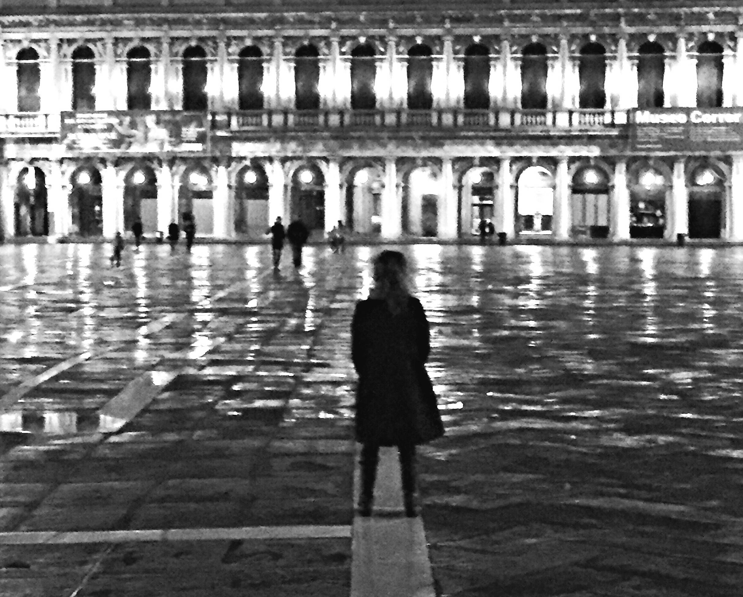 By now, you know that we loved our stay in Venice.  We stayed 4 days and managed to see most of the important areas and sites while enjoying some relaxing pauses.