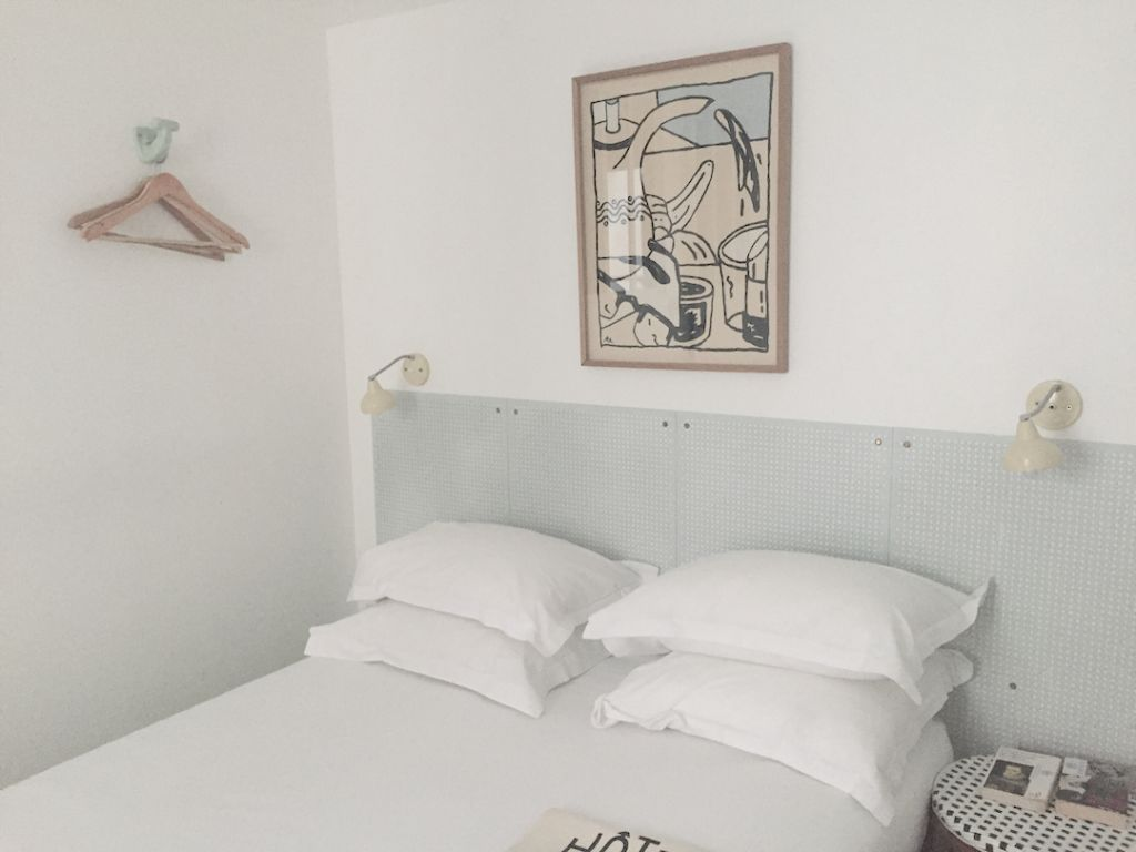 Hotel du Temps in Paris, review by a boutique hotel blogger.