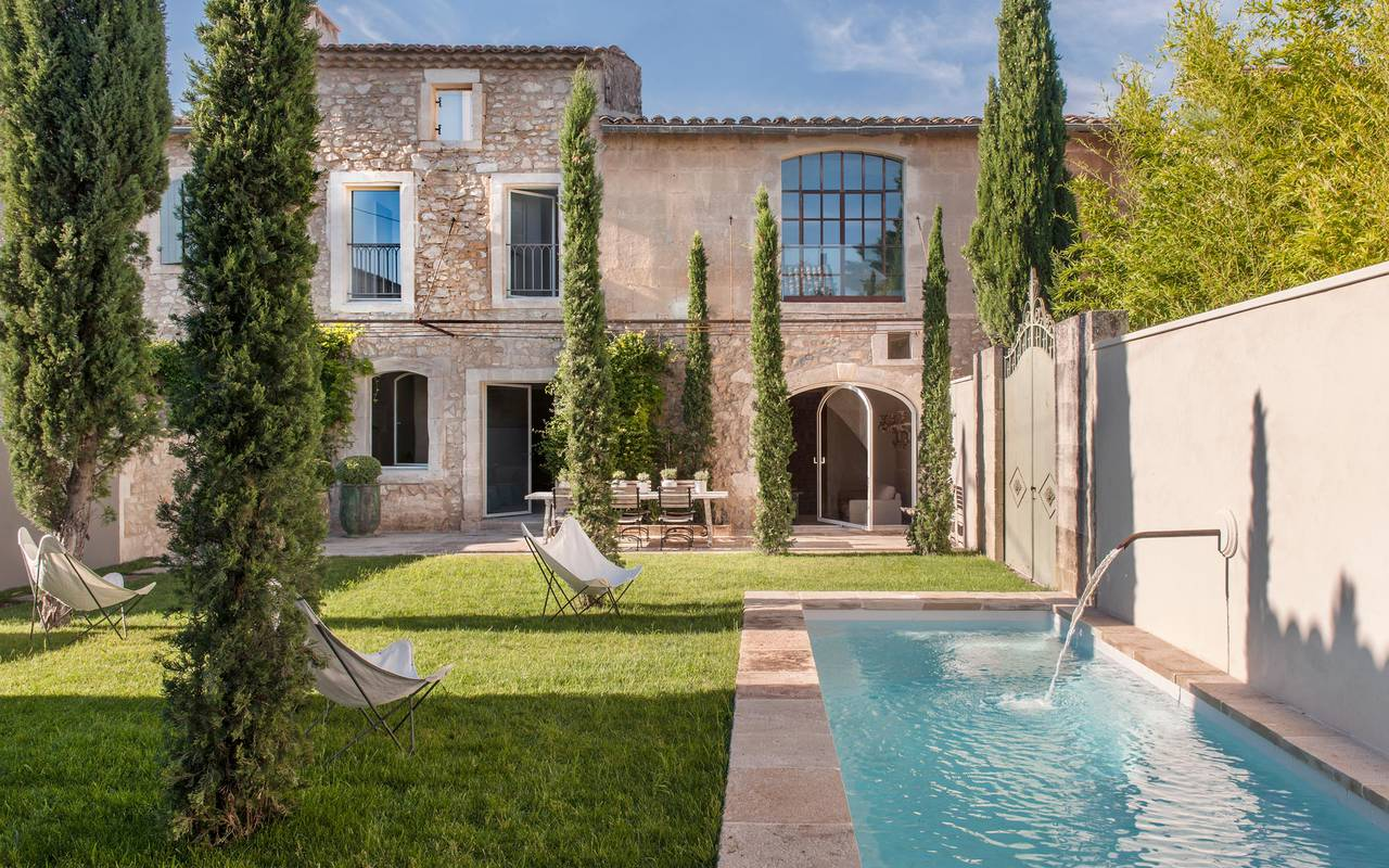 Les Maisons de l'Hotel particulier, in the Alpilles, Provence. New beautiful suites in a converted priory with a swimming pool in the garden. #provencehotels #hotelwithpool #provenceholidays