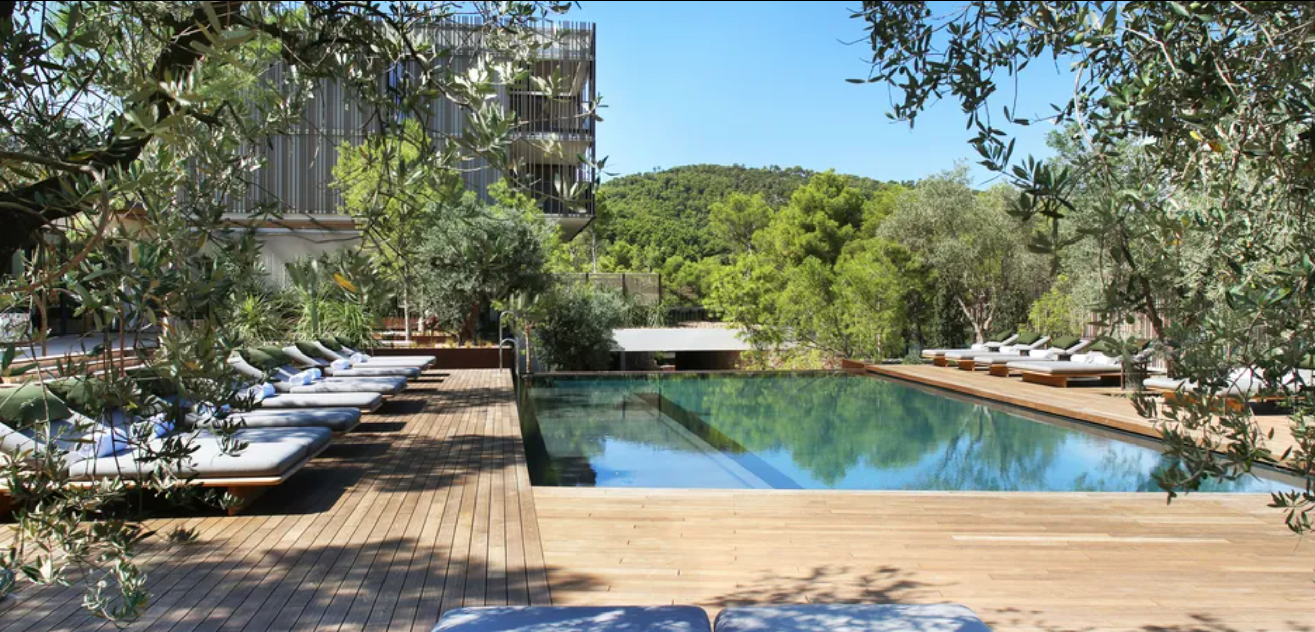 Every other week or so I send my subscribers a list of new hotels or villas that have caught my eyes. Out of those, here are the ones with pools.